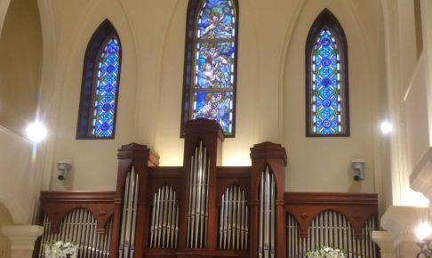 結婚式場の大聖堂