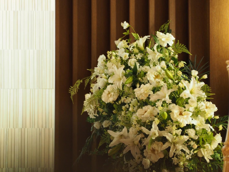 結婚式場に飾ってある花