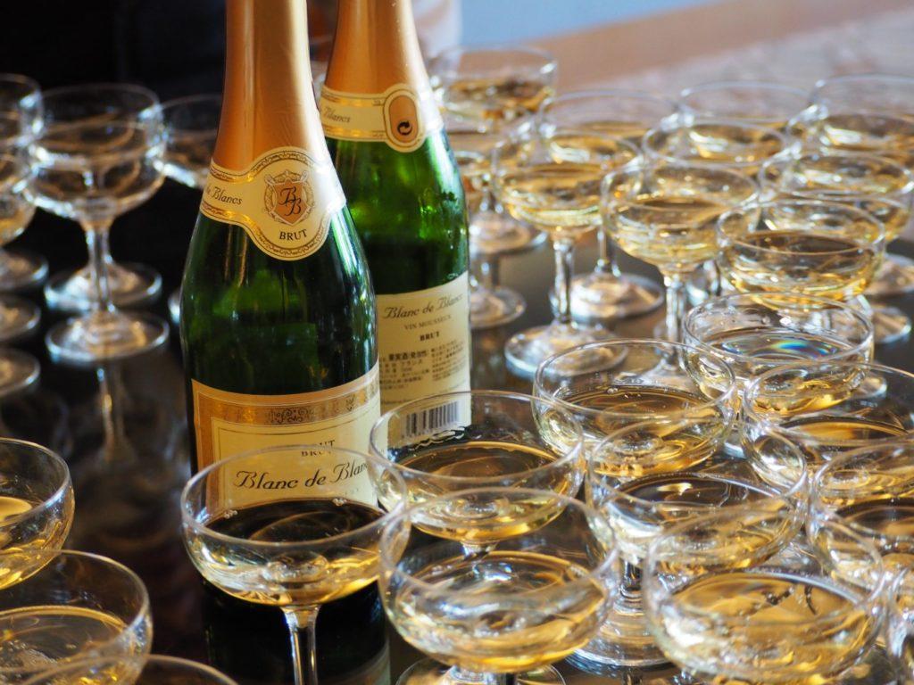 結婚式のシャンパン