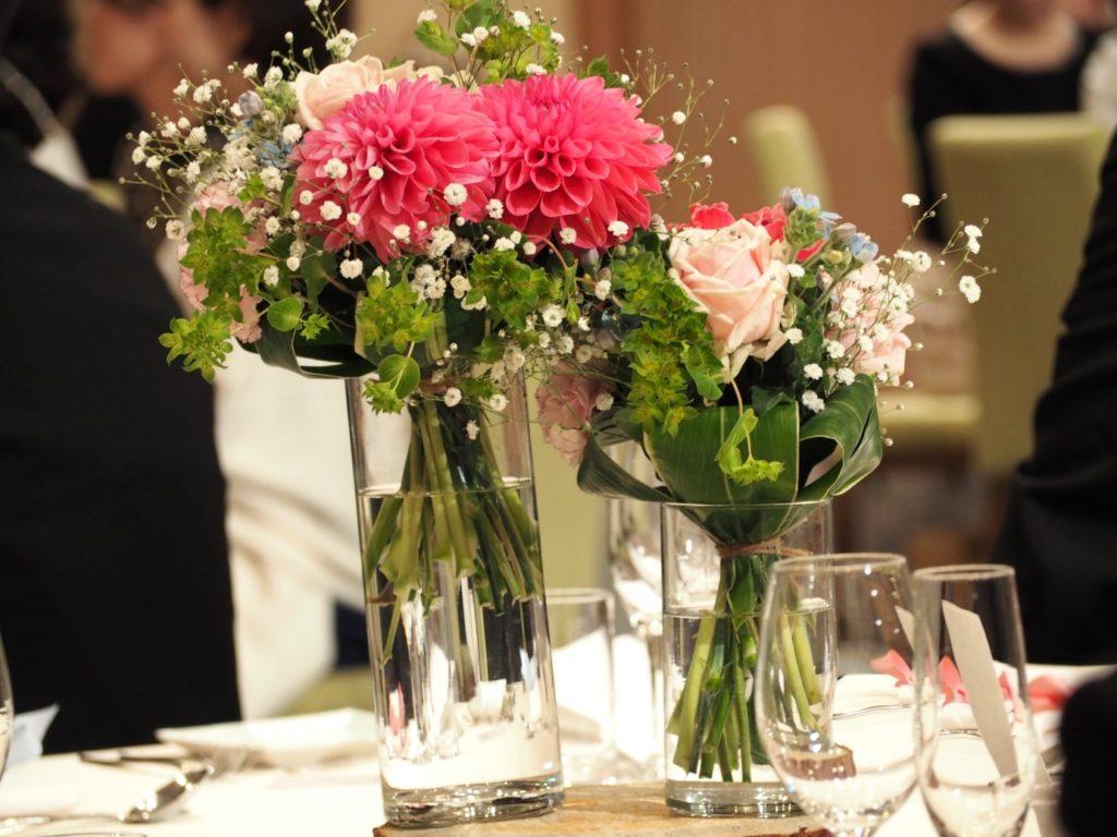 結婚式場のテーブル装花