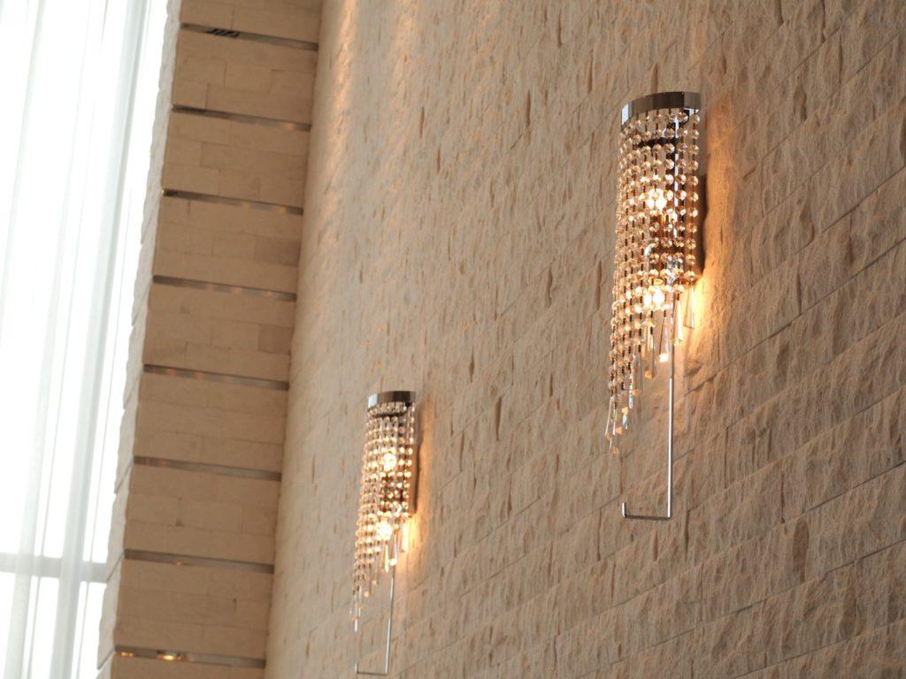 結婚式場のライト