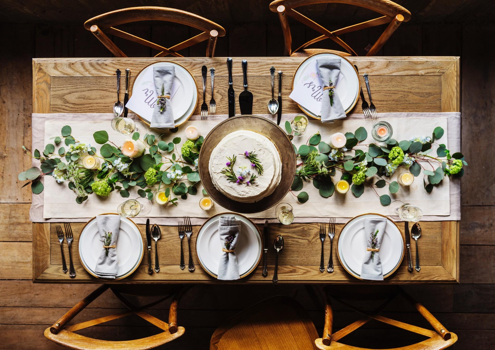 結婚のお食事会のテーブル